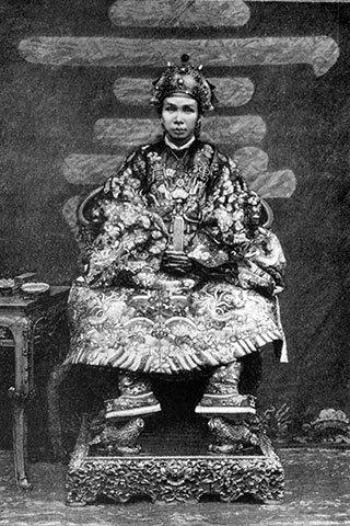 vua-dong-khanh